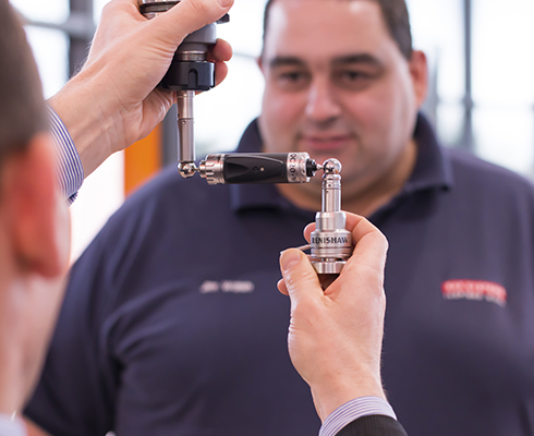 BAE Systems employee, Jim Walsh, with Renishaw QC20-W ballbar