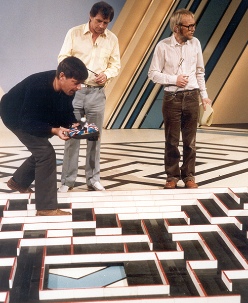 Alan Dibley demonstrating his Micromouse to Johnny Ball on 'Think of a number', 1983